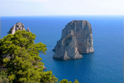 Capri Tours - The famous Faraglioni of Capri