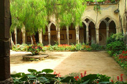 Sorrento walking tour - The cloister of San Francesco