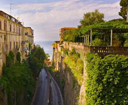 Sorrento walking tour - Panoramic view of Piazza Tasso square